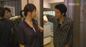 Every.Night.E06.KOR.080708.HDTV.XviD-Ental.avi_002192223